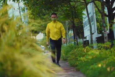 Wali Kota Jalan Kaki ke Kantor, Susuri Trotoar Sambil Sapa Tukang Sapu